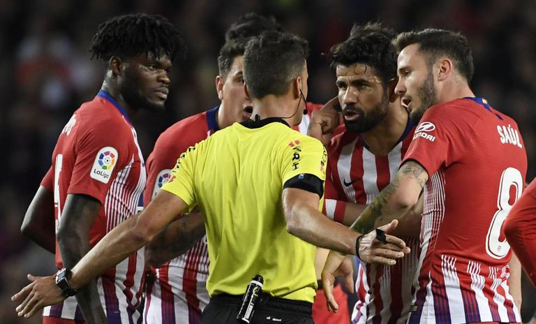 Diego Costa, depois da expulsão no jogo Barcelona x Atlético de Madri