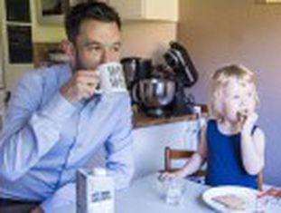 Holmqvist, funcionário da agência espacial, organiza sua jornada de trabalho em função de suas necessidades familiares