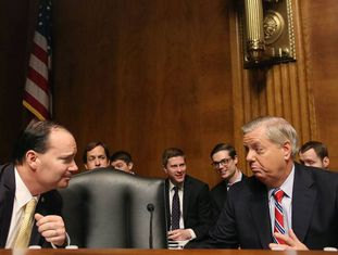 Os senadores Mike Lee e Lindsey Graham.