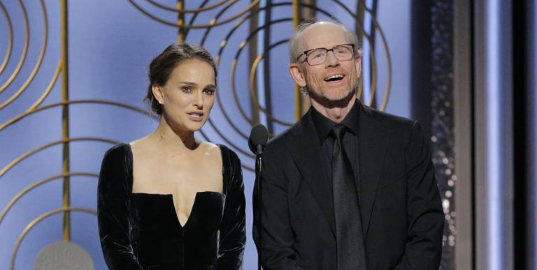 Natalie Portman e Ron Howard na apresentação do prêmio de Melhor Diretor no Globo de Ouro.