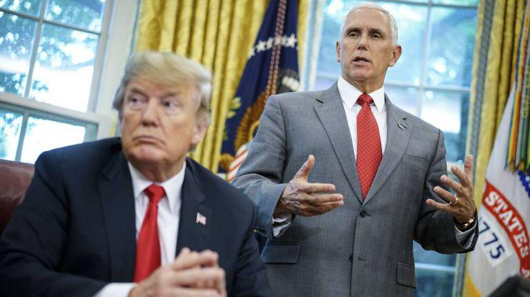 O vice-presidente dos EUA, Mike Pence, e o presidente Donald Trump