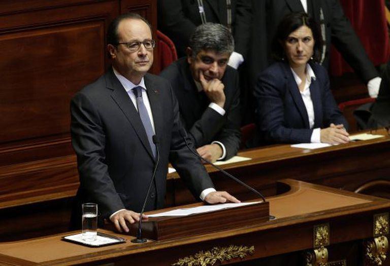 Hollande durante o discurso diante do Congresso, nesta segunda-feira.
