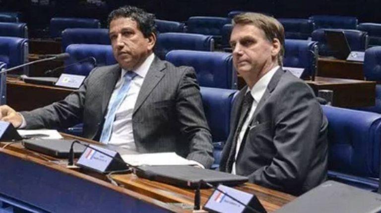 Magno Malta e Jair Bolsonaro no Plenário do Senado