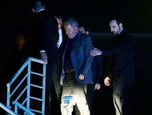 Lula chega à Superintendência da Polícia Federal em Curitiba.