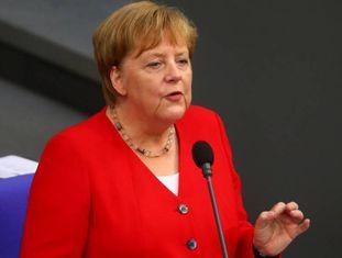 Angela Merkel em sessão com deputados nesta quarta.