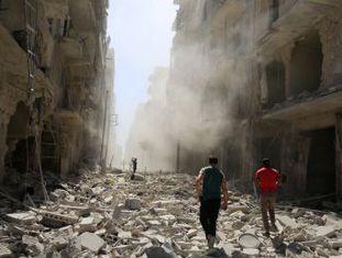 """ONU e Washington dizem que forças russas e de Al Assad realizaram pelo menos 158 ataques aéreos contra o leste de Aleppo em uma ofensiva """"sem precedentes"""""""