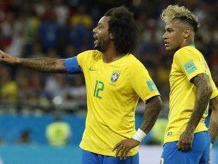 Marcelo e Neymar não tiveram a afinidade habitual pela esquerda.