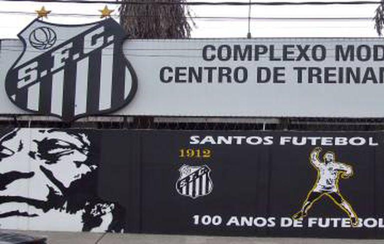 Centro de treinamentos do Santos, que leva o nome de Pelé.