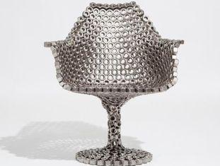 A cadeira 'TulipBoltsChair', criação do venezuelano Leo Capote.