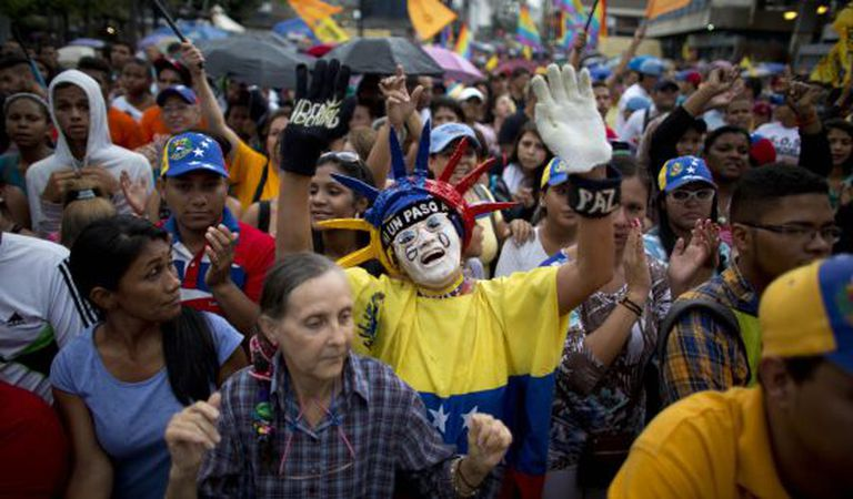 Simpatizantes da MUD em um ato eleitoral em Caracas, nesta quarta-feira.