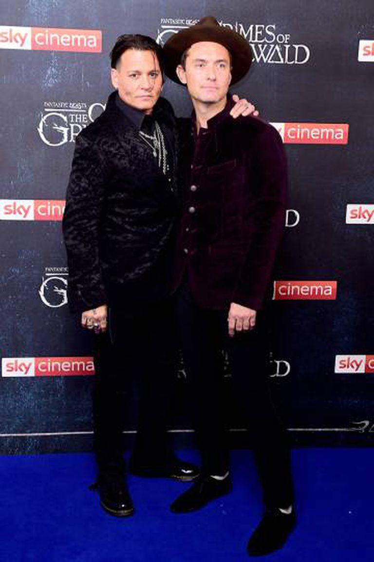 Johnny Depp e Jude Law na estreia britânica do filme.