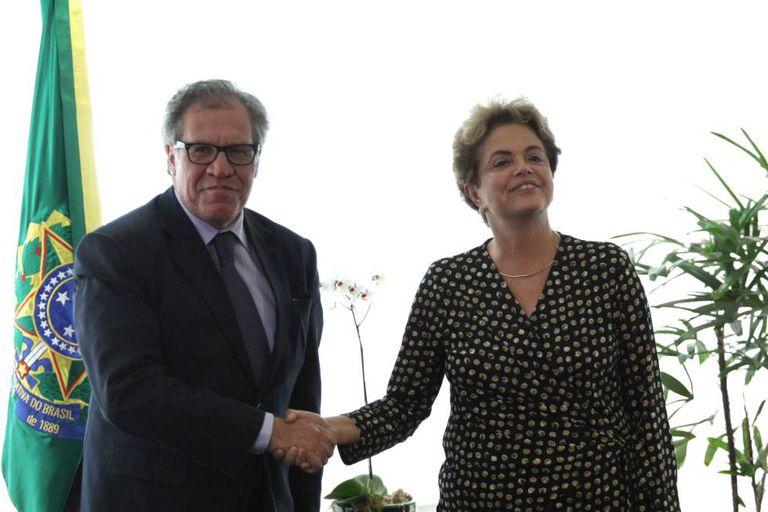 Dilma Rousseff e o secretário geral da (OEA) Luis Almagro.