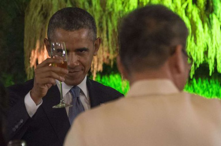 O presidente dos EUA, Barack Obama, durante um jantar em Manila (Filipinas).