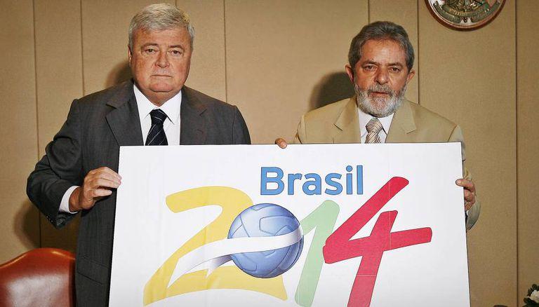 Teixeira e Lula, anunciando a Copa no Brasil, em 2007.