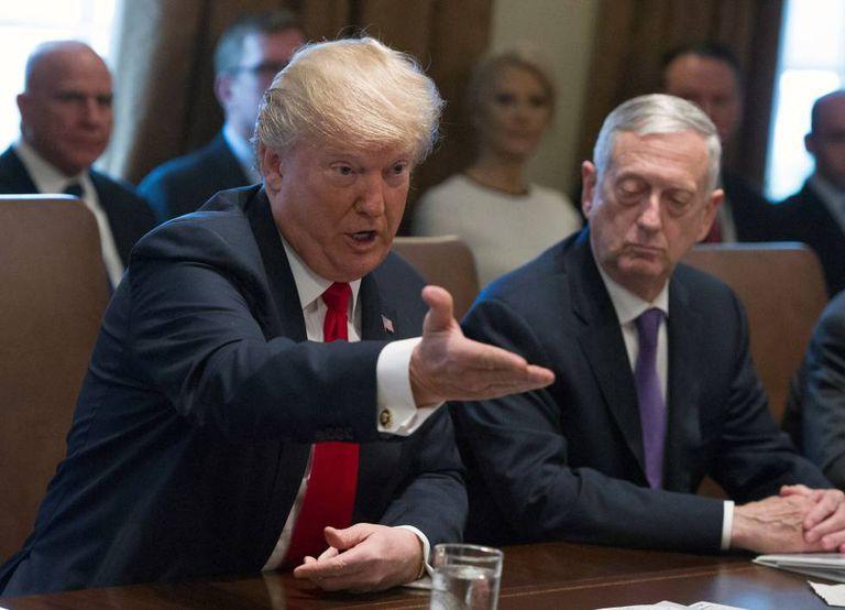 O presidente norte-americano, Donald Trump, hoje no Conselho de Ministros celebrado na Casa Branca.