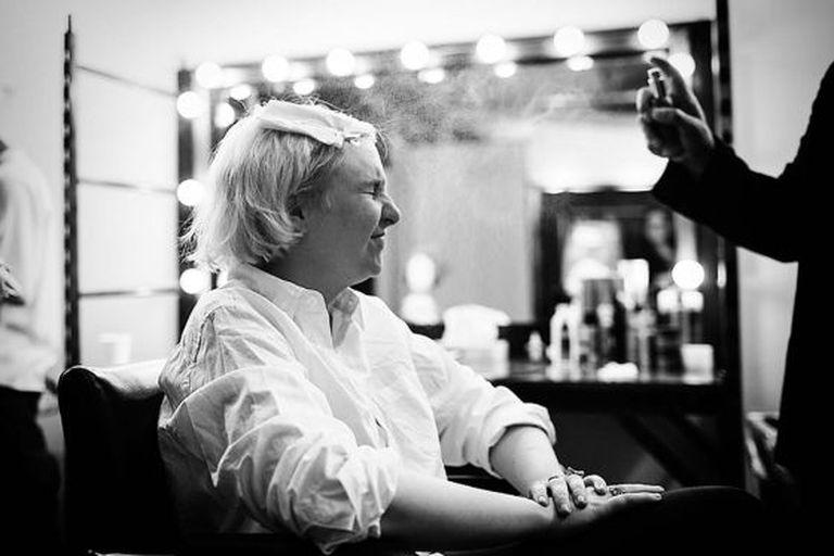 A escritora Lena Dunham, durante a preparação de uma recente sessão de fotos em Nova York.